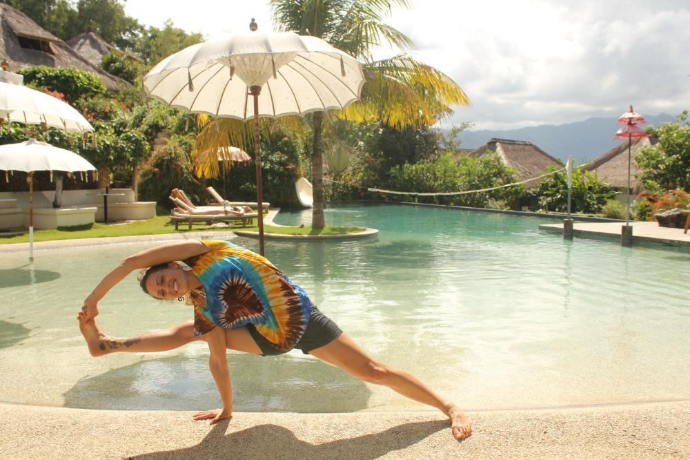 bali Polly yoga frog fun