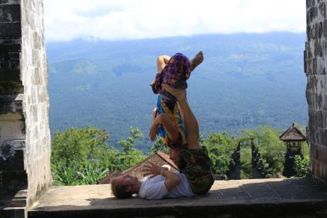 Partner yoga bali acro yoga frog
