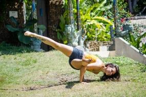 Polly Yoga Bali